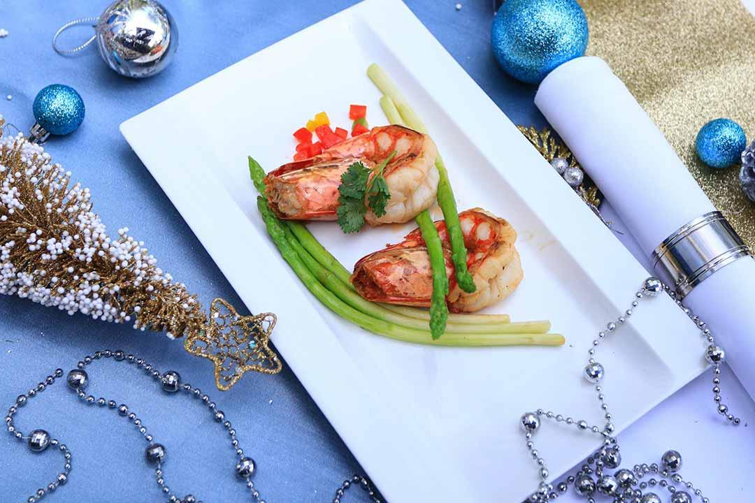 ร้านอาหารเคาท์ดาวปีใหม่ คริสมาส ห้าดาวกรุงเทพ 2563_เรเนซองส์กรุงเทพ Countdown Christmas and New Year 2020 Bangkok_Renaissance-03